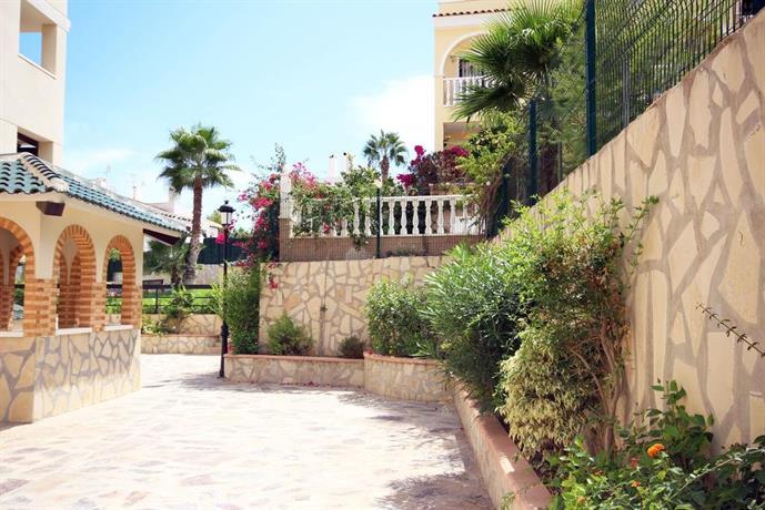 Jardin d 39 alba villamartin villa martin compare deals for Al alba jardin hotel