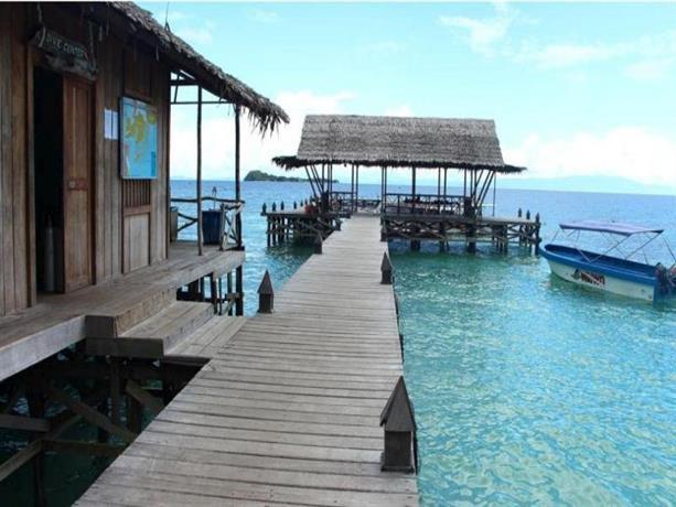 Waiwo dive resort raja ampat compare deals - Dive resort raja ampat ...