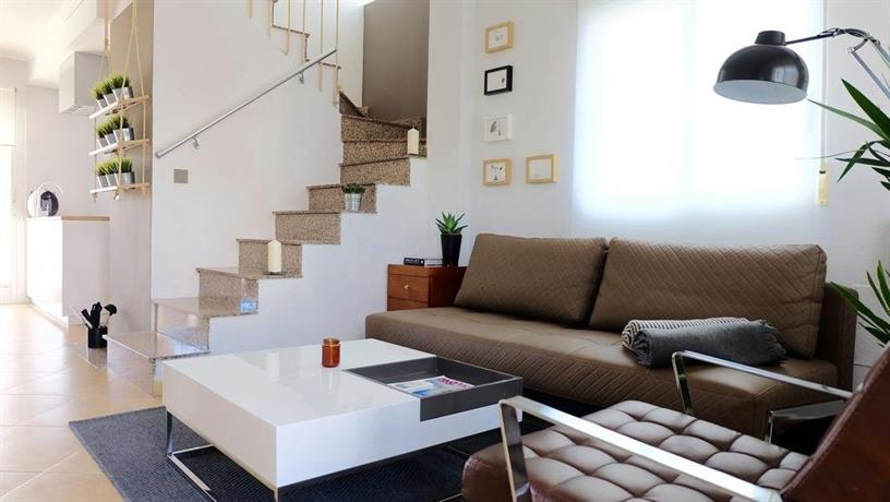 Casa moderna san miguel de salinas compare deals for Casa moderna alicante