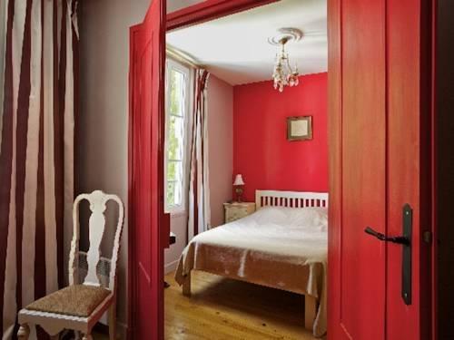 My flat in paris 17th compare deals for Flat hotel paris