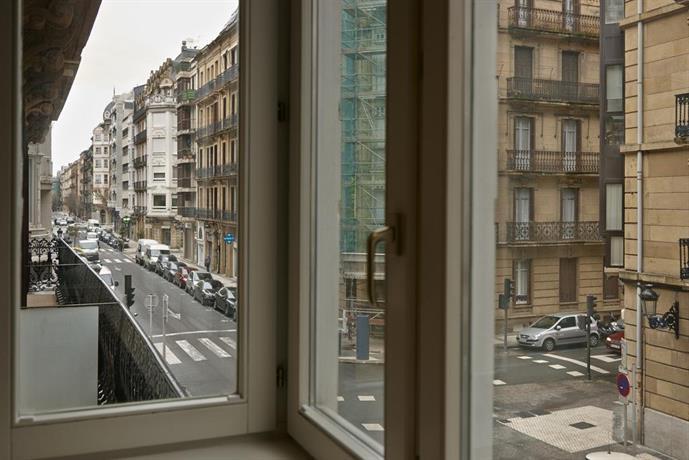 Apartamentos easo san sebasti n comparar ofertas - Apartamentos turisticos en san sebastian ...
