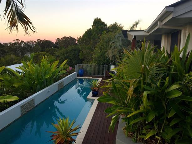 Sunshine Coast Tropical Getaway
