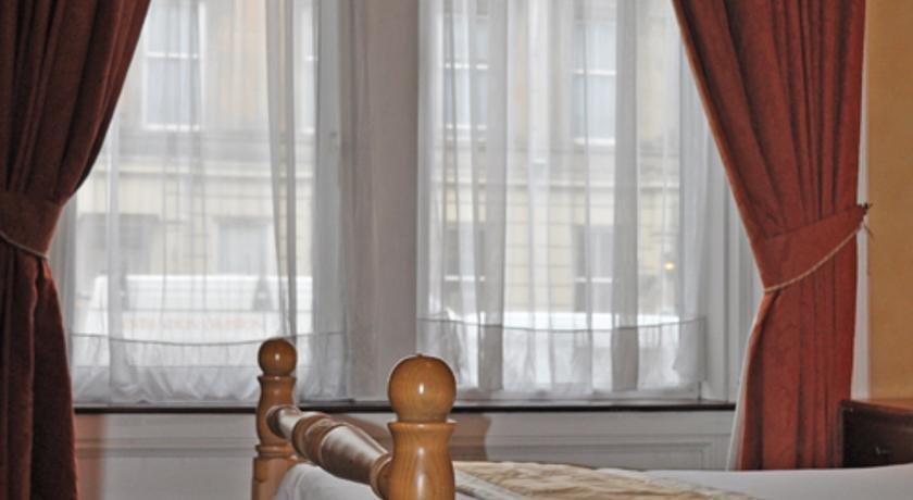 Allison Executive Lets Apartment Glasgow  Compare Deals. Chang An Yi Family Apartment. Fira Palace Hotel. Casa Din Bran Villas Hotel. Henry VIII Hotel. Condes De Barcelona Hotel. El Castellnano Hotel. Grand Skylight CATIC Hotel. Melia Dusseldorf Hotel