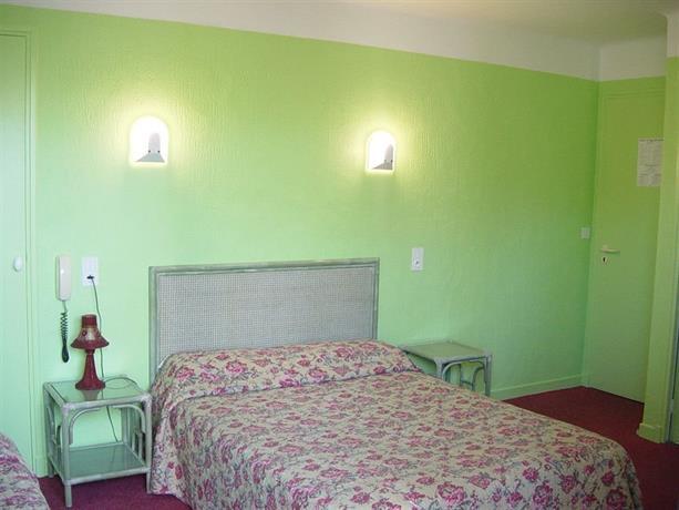 hotel de la corniche la ciotat comparez les offres. Black Bedroom Furniture Sets. Home Design Ideas