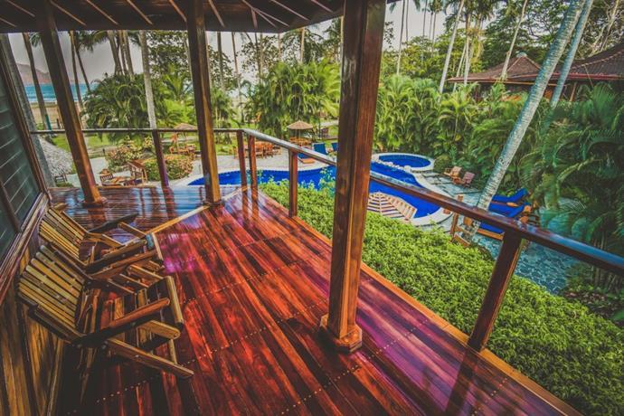 About Tambor Tropical Beach Resort