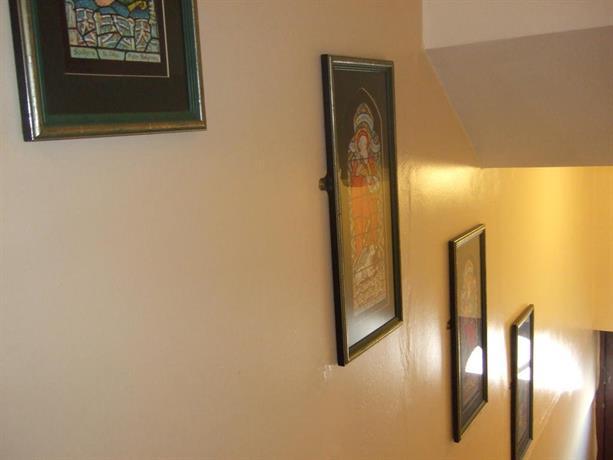 Gresham house inn dawlish compare deals for Gresham house