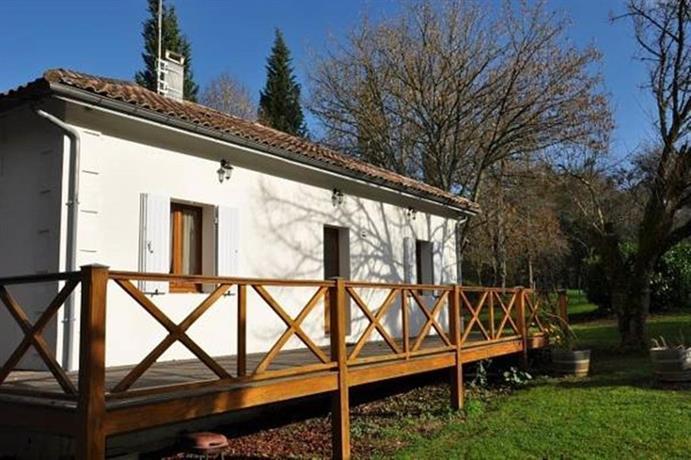 la maison du lac saint caprais de bordeaux compare deals. Black Bedroom Furniture Sets. Home Design Ideas