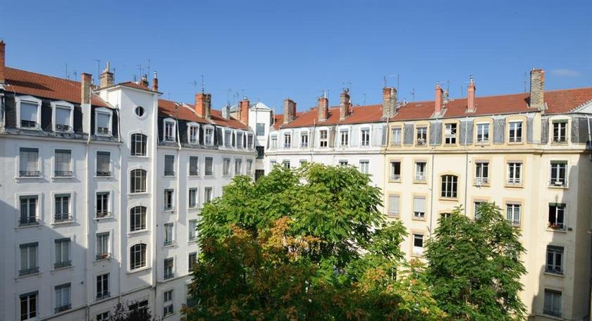 Appart 39 bossuet lyon compare deals for Appart hotel lyon 8eme