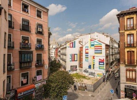 Centro puerta del sol apartments madrid compare deals for Del sol centro