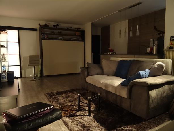 Flat with panoramic view of paris compare deals for Flat hotel paris
