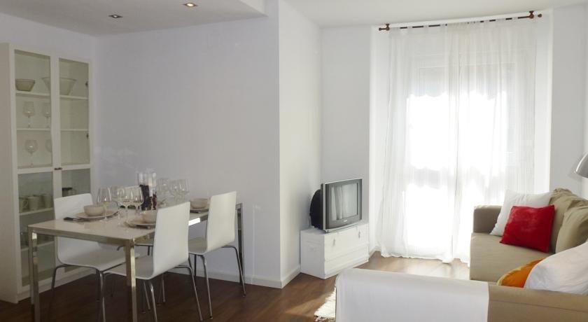 Singular apartments viveros valencia compare deals - Singular kitchen valencia ...