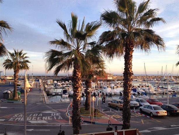 Apartamento puerto marina benalm dena confronta le offerte for Apartamentos puerto marina