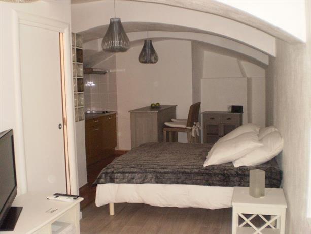 Chambre d'Hotes Village de Roquebrune Cap Martin Compare