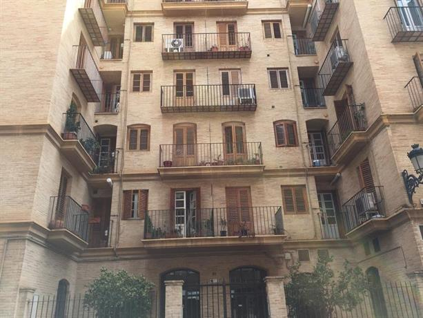 Felipe Valls Apartments