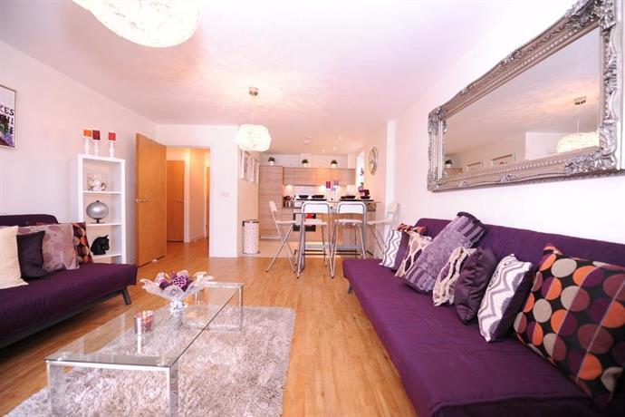 Apartment Zenith, London - Compare Deals