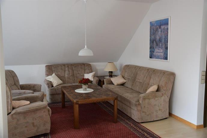 nicht daheim und doch zu hause bergisch gladbach compare deals. Black Bedroom Furniture Sets. Home Design Ideas