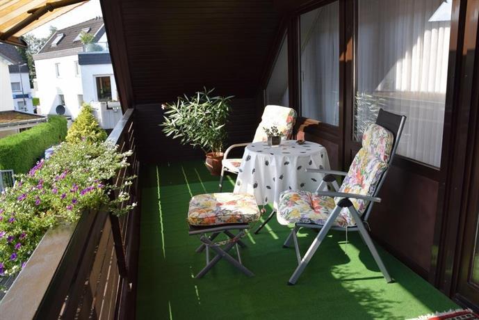 nicht daheim und doch zu hause bergisch gladbach. Black Bedroom Furniture Sets. Home Design Ideas