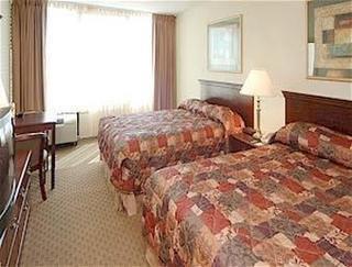 Howard Johnson Plaza Hotel Williamsburg