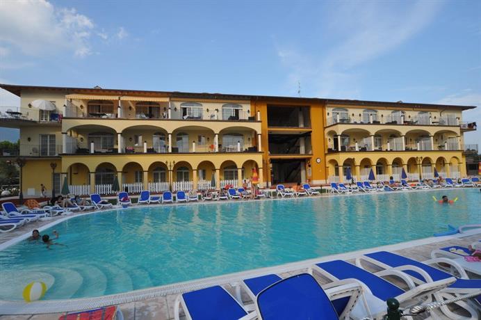 Giardino dei colori toscolano maderno compare deals - Hotel giardino toscolano maderno ...