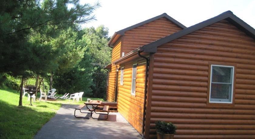 Pine Creek Cabins