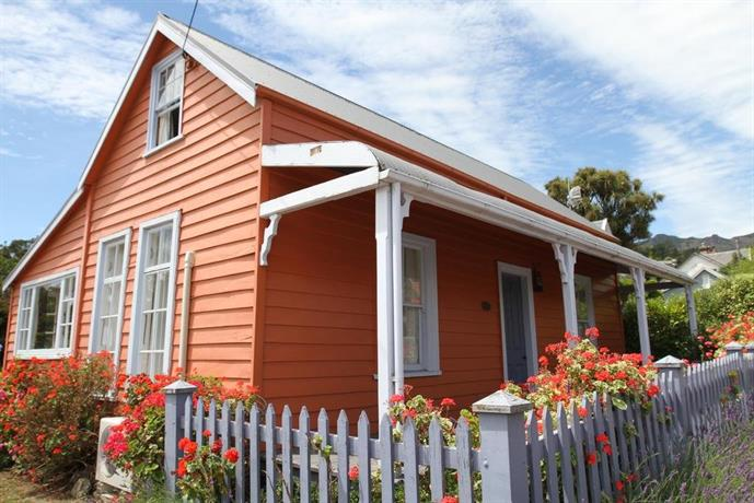 Akaroa French Historic Cottage Circa 1860