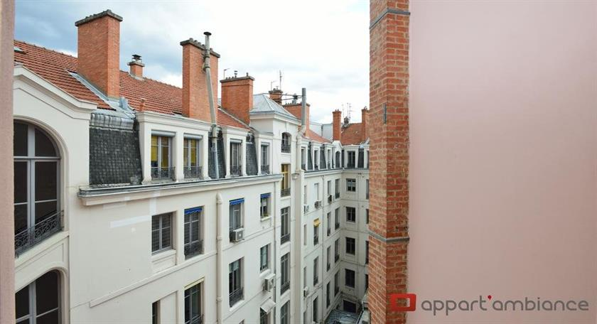 Appart 39 odeon lyon compare deals for Appart hotel 37