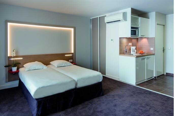 Hotel Place Ravezies Bordeaux