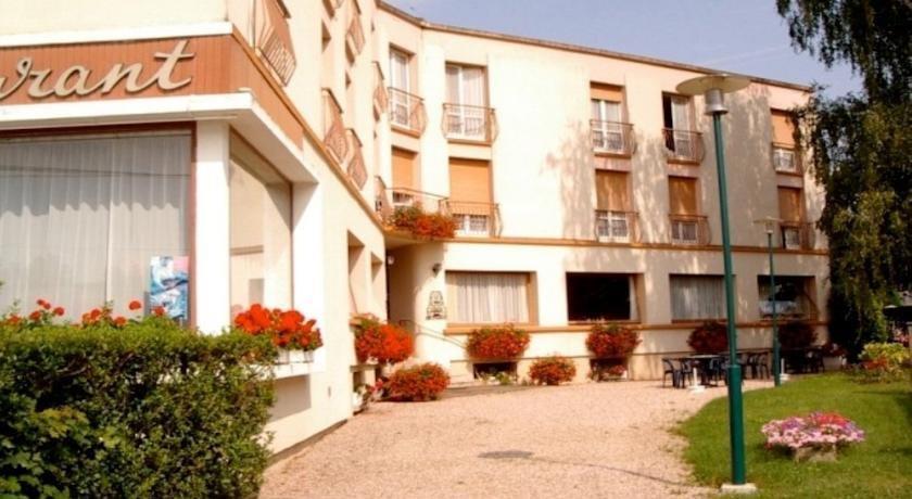 Hotel de la promenade bains les bains compare deals for Bain les bains hotel