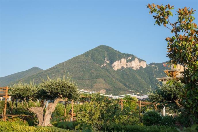 Sant Egidio Del Monte Albino Hotel