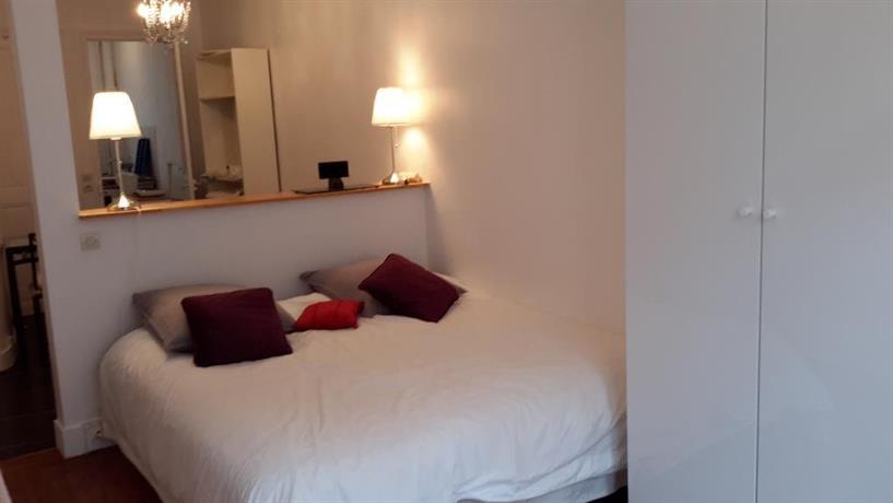 Champs elysees luxe flat paris compare deals for Flat hotel paris