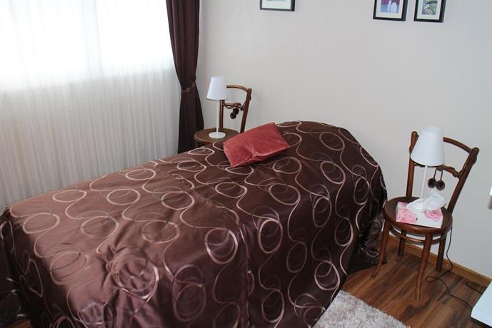 Les petites chambres de la bleue maison porrentruy for Amalric la chambre bleue