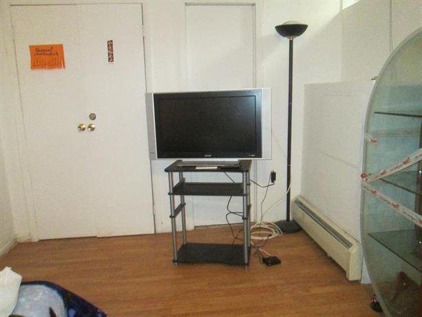 One Bedroom in Queens Ground Floor
