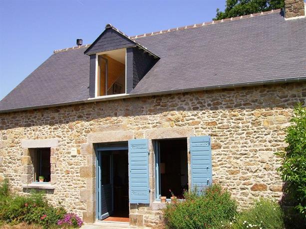 Holiday home Les Volets Bleus 1