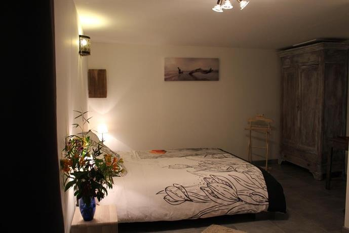 Chambre d 39 hotes les jasmins collioure compare deals for Chambre hote collioure