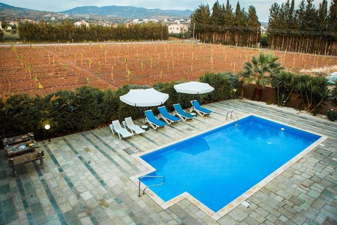Villa Kapistris Dyo Paphos Cyprus