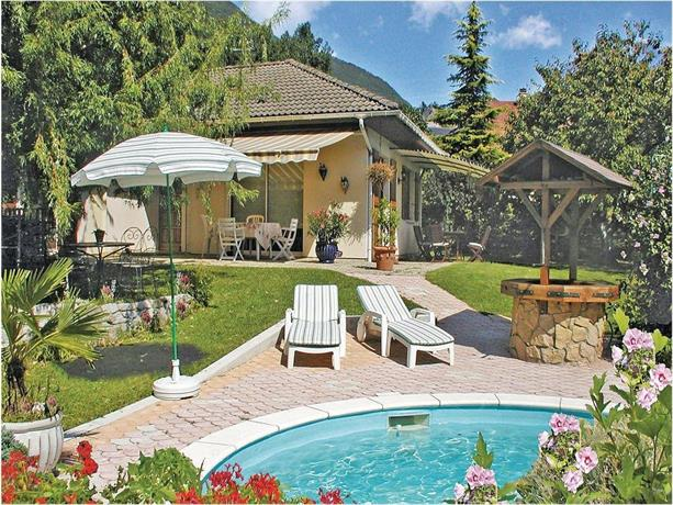 Holiday home Cruet 34 with Outdoor Swimmingpool