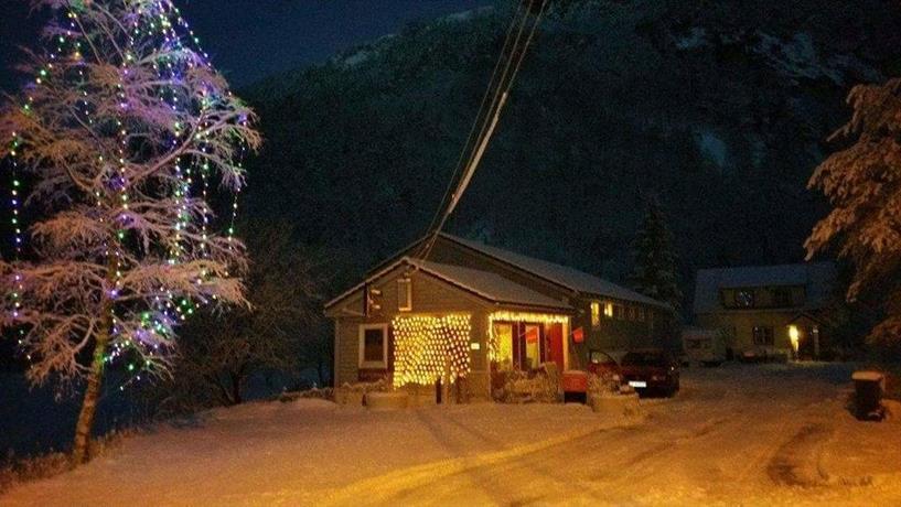 Modalen Lodge & Camping as