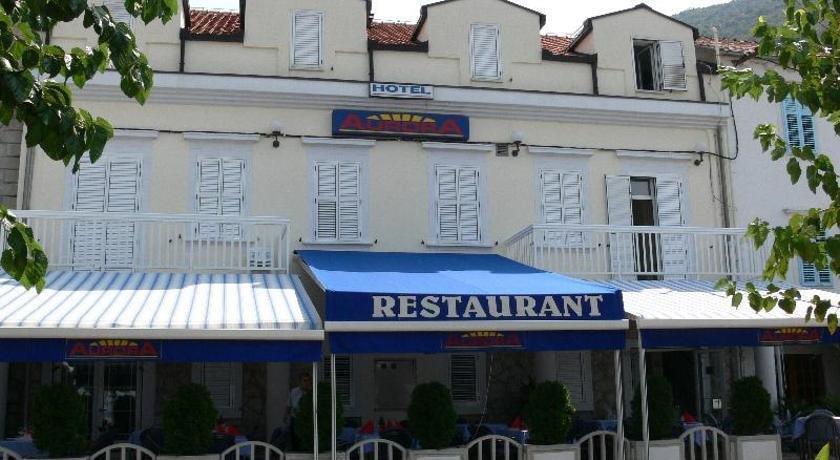 Hotel aurora trpanj comparer les offres for Comparer les hotels