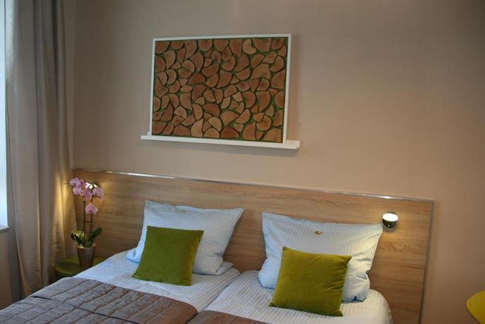 3 apfel design apartment essen compare deals for Essen design hotel