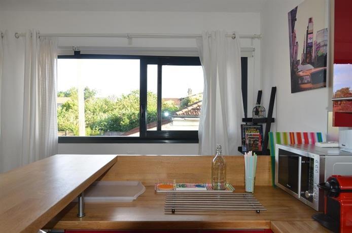 studio moderne amenagement architecte talence confronta le offerte. Black Bedroom Furniture Sets. Home Design Ideas