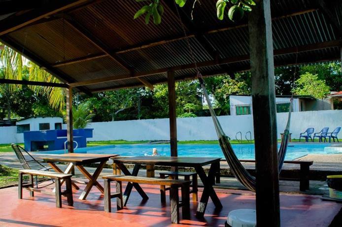 Hostel casa de las palmas leticia compare deals - Casa activa las palmas ...