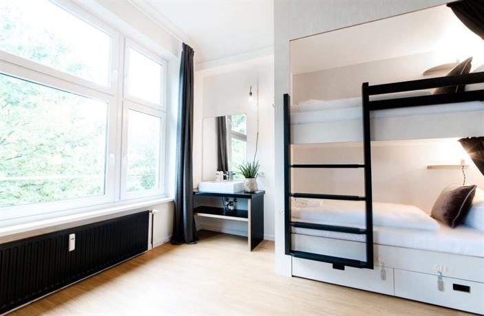 pyjama park schanzenviertel hamburg compare deals. Black Bedroom Furniture Sets. Home Design Ideas