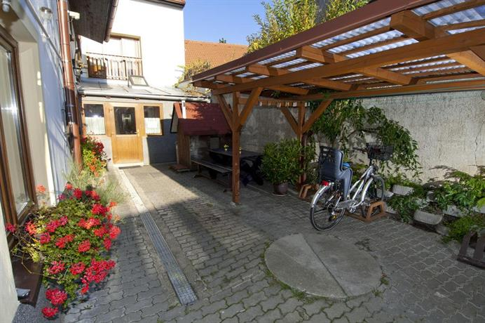 Penzion a restaurace U Trebonskeho kola