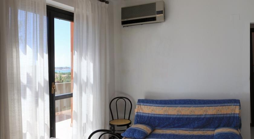 Appart hotel residence villasimius compare deals for Residences appart hotel