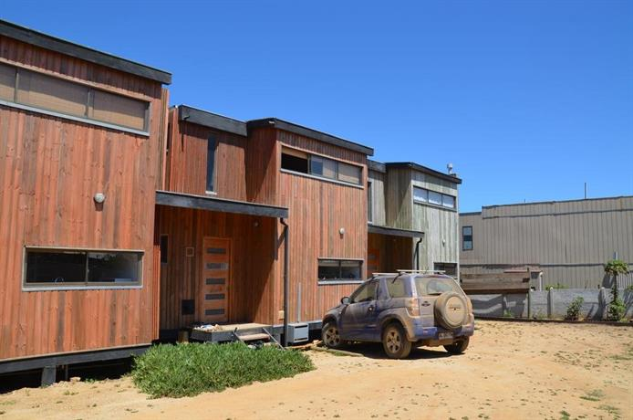 Casas junto al mar pichilemu compare deals for Casas junto al mar
