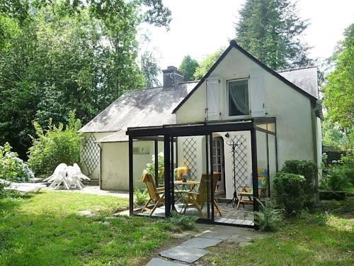Holiday home Chateau Kervoazec St Goazec
