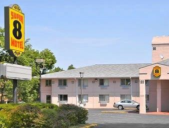 Super 8 Motel Fort Atkinson