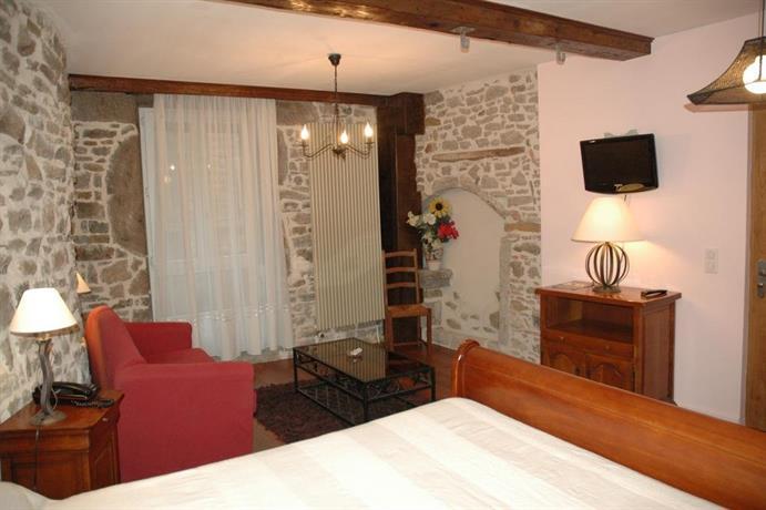 hotel de la tour saint etienne compare deals. Black Bedroom Furniture Sets. Home Design Ideas