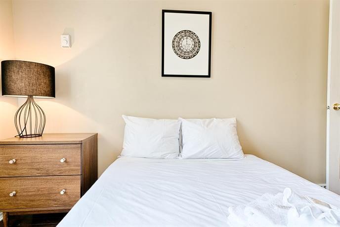 Four-Bedroom on Amherst Street