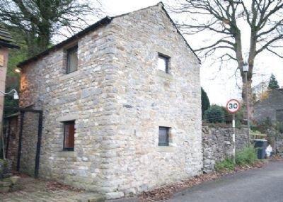 Mushroom Cottage Castleton